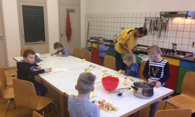 Kinderkookclub: Kip, patat en appelmoes!