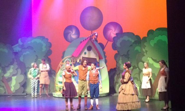 """""""Hans en Grietje"""" in het Zuiderstrandtheater"""